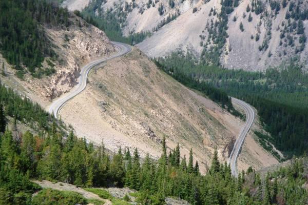 6. Beartooth Pass, USA